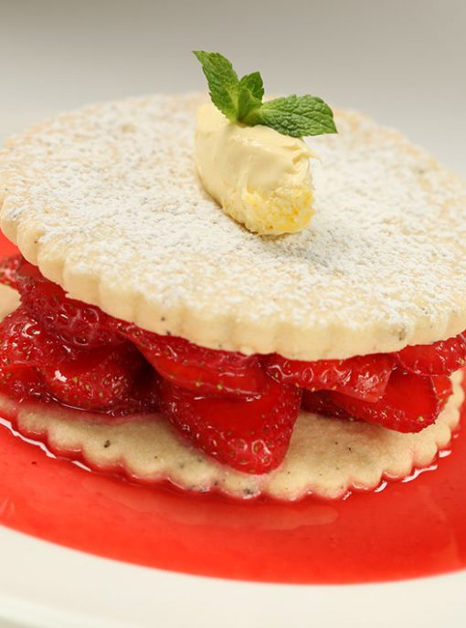 Patisserie workshop taught at professional cook school cookery course